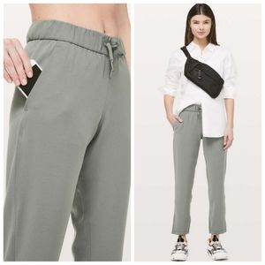 Lululemon On the Fly Wide-Leg 7/8 Woven Pants